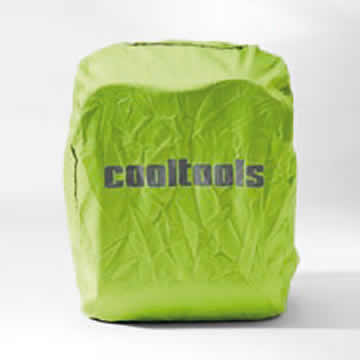The daypack is black on the outside. The all-round fabric trim and the brand logo are fluorescent to provide a basic level of protection in the dark. A green rain cover, which is integrated in its own store pack, covers the whole CT 2 to provide protection against the rain and wet.